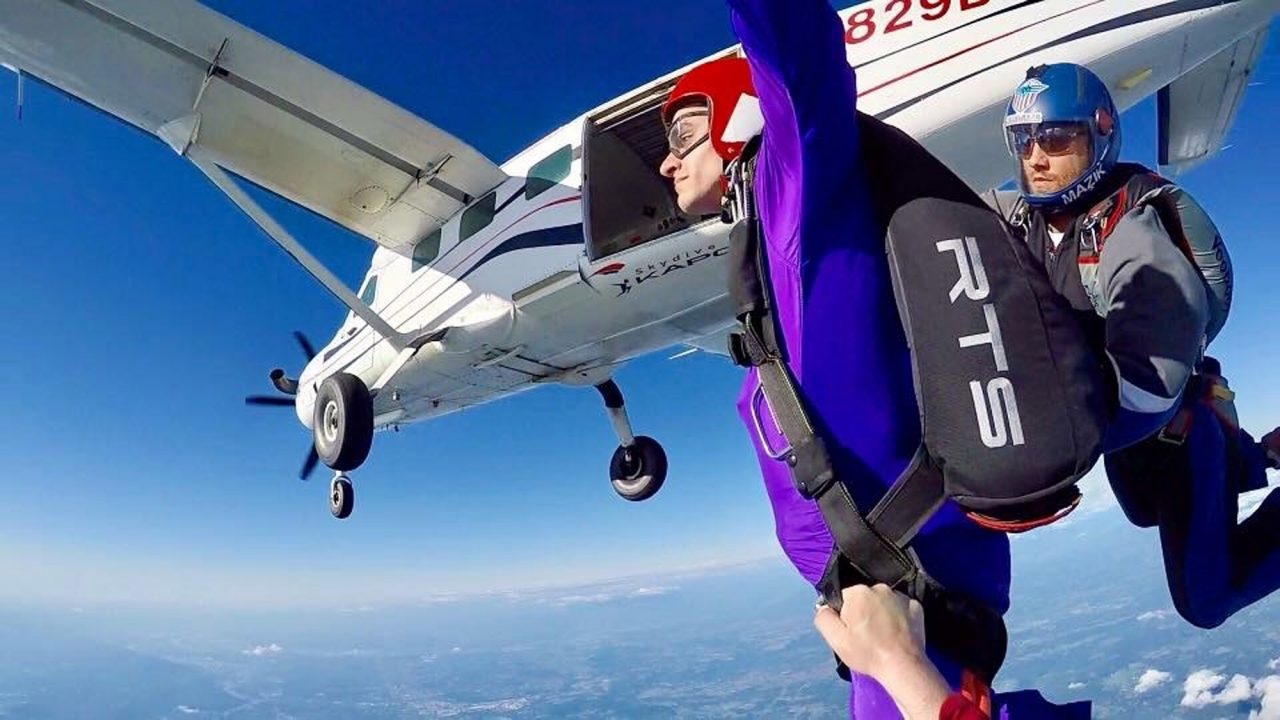 AFF Student in freefall learning to skydive with two instructors at Pacific Northwest Skydiving Center in Orgeon