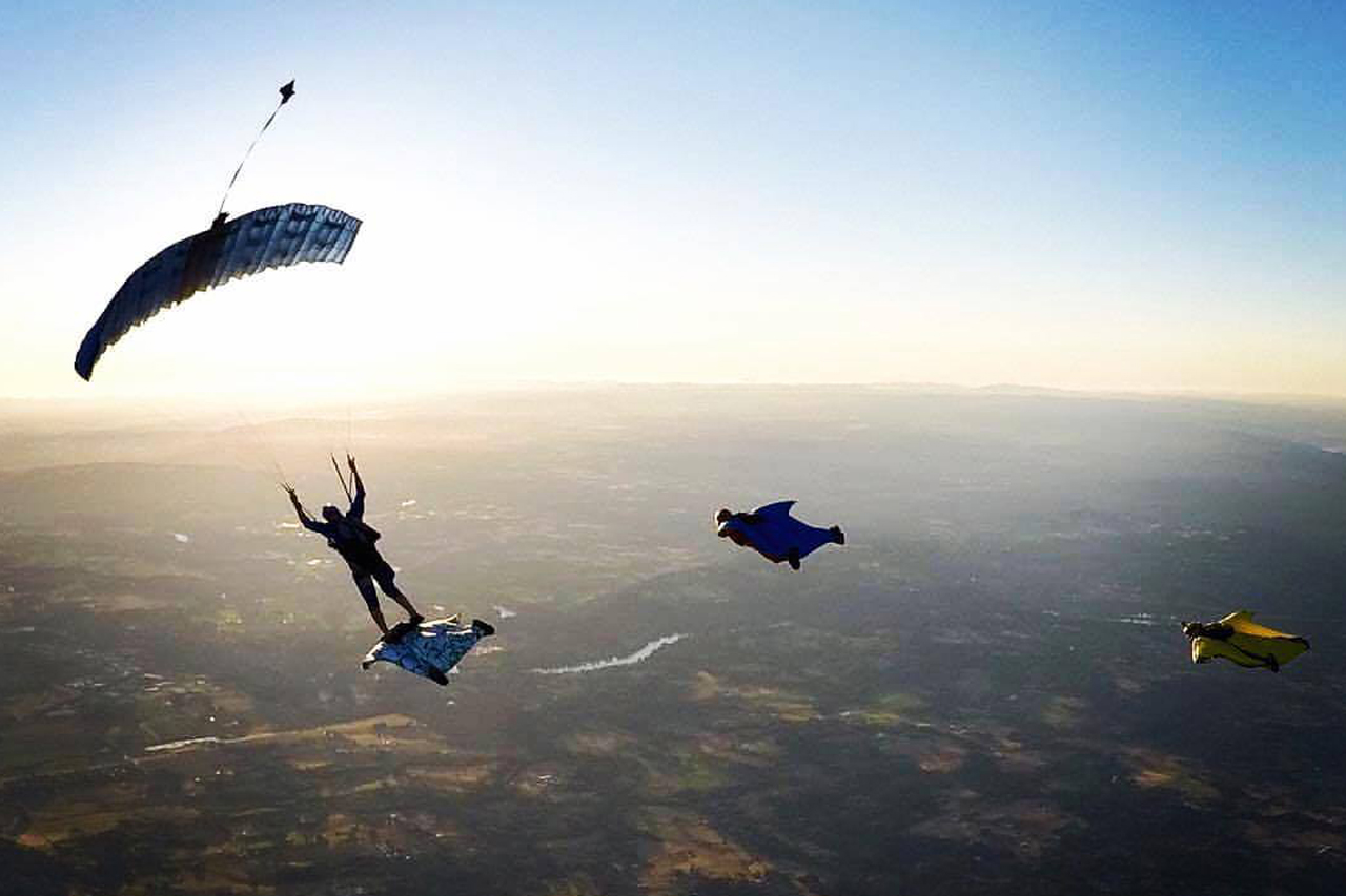 Licensed skydivers and wingsuiters jumping at Pacific Northwest Skydiving Center