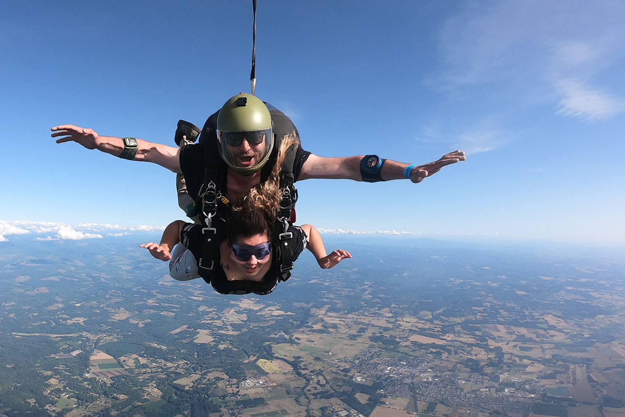 female skydiver in freefall at PNW Skydiving